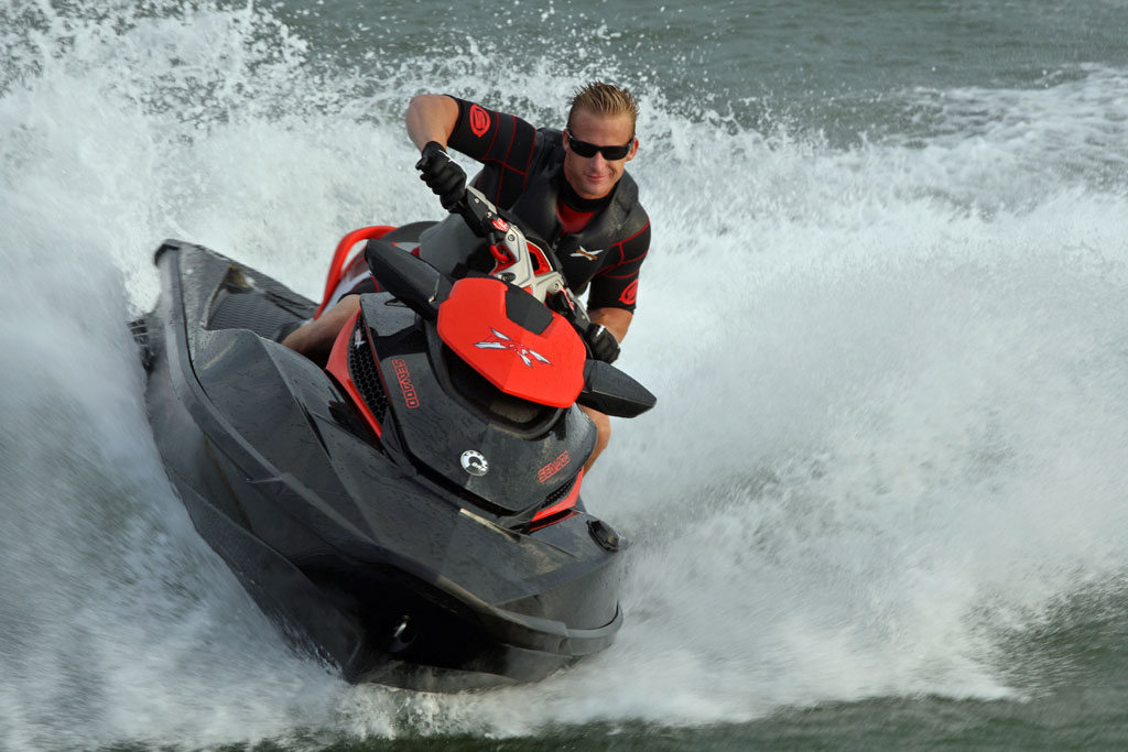 2010-Sea-Doo-RXT-X-action4